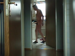 Schön nach feierabend, nackt in der wohnung