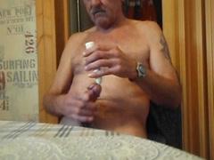 Nackt zu hause in der küche